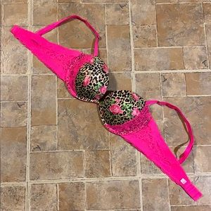 Victoria's Secret Pink padded bra size women's 34B